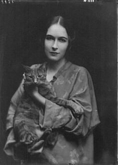Miss Mona Bruns with Buzzer the Cat. Arnold Genthe.