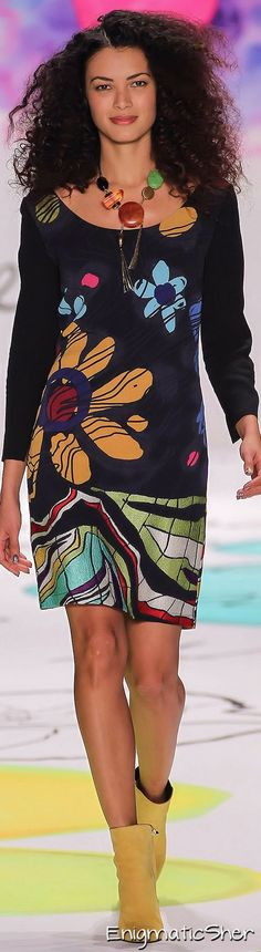 Desigual Fall-Winter Ready-to-Wear by bertha Floral Fashion, Colorful Fashion, I Love Fashion, Autumn Fashion, Fashion Design, Style Casual, My Style, Vetements Clothing, Runway Fashion
