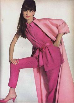 "jeanjeanie61: "" Audrey Hepburn http://girliefashion-blog.blogspot.co.uk """