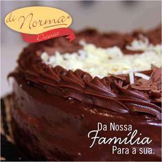 Bolo Casadinha: Bolo de chocolate recheado com creme de chocolate ao leite e branco. #love #DiNorma #curta #siga e #compartilhe