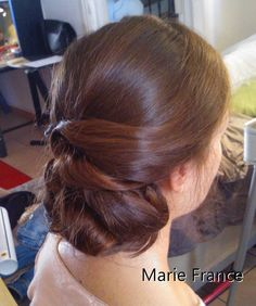 chignon bas chic Marie France, coiffure https://fr-fr.facebook.com/pages/Marie-France-Beaut%C3%A9/85009054308