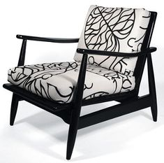 Hmm the chair we have in the hall. mid century modern black lacquar lounger chair with Marimekko fabric Mid Century Modern Design, Mid Century Modern Furniture, Retro Armchair, Marimekko Fabric, Mid Century Chair, Cool Chairs, Furniture Styles, My Living Room, Upholstered Chairs