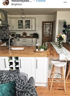 Wrap around counter, built in wine rack, wooden counter top Kitchen Decor Themes, Home Decor Kitchen, Kitchen Interior, New Kitchen, Home Kitchens, Kitchen Design, Home Kitchen Wallpaper, Room Deco, Open Plan Kitchen Dining