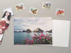 Cartolina Fotografica Ha Long Bay, biglietto auguri, decorazione casa, idea regalo di ThePostcardsFactory su Etsy