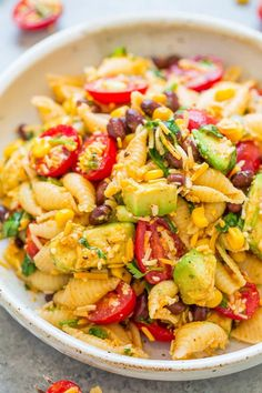 Sometimes you just need something easy for that summer meal outdoors, and this deli-style salad is one of the best and simplest! Vegetarian Pasta Salad, Orzo Salad Recipes, Easy Pasta Salad Recipe, Pesto Pasta Salad, Crab Salad, Pasta Recipes, Orzo Salat, Italian Chicken Pasta, Chicken Orzo