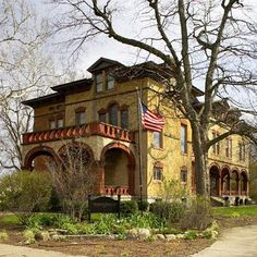 Vrooman Mansion in Bloomington, Illinois: One of our favorite Midwest B Click for more! (Photo courtesy of Vrooman Mansion.)