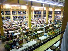 A market place located in the city of São Tomé ◆São Tomé and Príncipe - Wikipedia https://en.wikipedia.org/wiki/S%C3%A3o_Tom%C3%A9_and_Pr%C3%ADncipe #Sao_Tome_and_Principe
