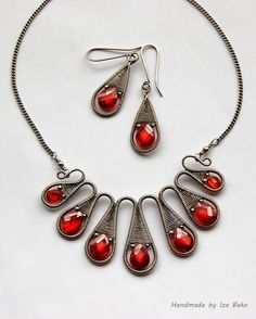 Wire wrapped woven set