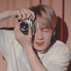 V Bts Cute, Jungkook Cute, Foto Jungkook, Jung Kook, Foto Bts, Bts Photo, Beige Aesthetic, Aesthetic Vintage, Boy Scouts