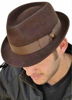 Кафява шапка/ Brown hat
