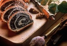 This is homemade bread made with poppy seed I make this every Christmas in a form of a braided wreath. Romanian Desserts, Romanian Food, Romanian Recipes, Cinnabon, Sweet Cakes, How To Make Bread, Sweet Tooth, Sweet Treats, Dessert Recipes