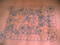 Riselhető terítő (négyzet alakú) [SER 9] - kezihimzes.superwebaruhaz.hu Hungarian Embroidery, Vintage Embroidery, Embroidery Patterns, Motif Corset, Pencil Design, Cross Stitch, Crochet, Projects, Embroidery Stitches