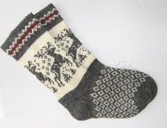 Knitted Christmas Stockings, Christmas Knitting, Wool Socks, Knitting Socks, Comfy Socks, Mittens, Needlework, Diy And Crafts, Knit Crochet