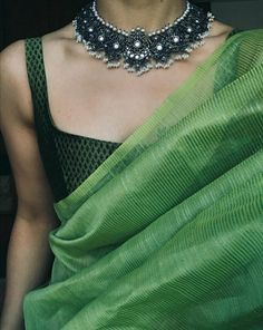 51 new saree design for women 30 New Saree Designs, Sari Blouse Designs, Kurti Designs Party Wear, Party Wear Sarees, Dress Indian Style, Indian Wear, Indian Designer Outfits, Indian Outfits, Traditional Sarees