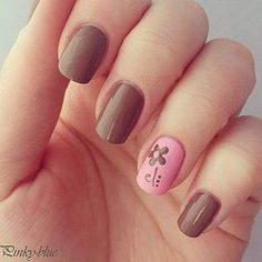 Image via Sweet flower nail art - pink & brown nails Image via Neutral nails with flowers and chevrons. Image via Polish Art Addiction: Basketball Nails they would be PERFECT Fancy Nails, Diy Nails, Cute Nails, Pretty Nails, Gold Nails, Brown Nail Art, Brown Nails, Do It Yourself Nails, Nails Polish