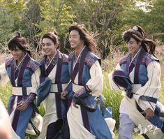 "[Picture] BTS V on ""Hwarang: The Beginning"" the Making Film for the shooting of Official Poster Bts France, Bangtan France, Park Hyung Sik, Suwon, Go Ara, Hip Hop, Asian Actors, Korean Actors, Korean Dramas"
