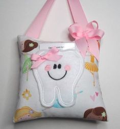 Make your own tooth fairy pillow using foam crumb from GB Foam Direct. Make your own tooth fairy pillow using foam crumb from GB Foam Direct. Sewing To Sell, Sewing For Kids, Baby Sewing, Tooth Pillow, Tooth Fairy Pillow, Handmade Pillows, Diy Pillows, Cushions, Throw Pillows