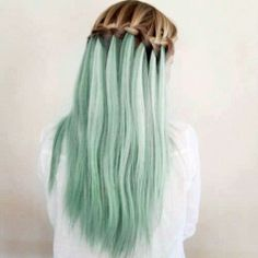 This waterfall braid really shows of the blue-green hair color. Mint Hair, Green Hair, Pretty Hairstyles, Braided Hairstyles, Simple Hairstyles, Updo Hairstyle, Braided Updo, Wedding Hairstyles, Waterfall Hairstyle