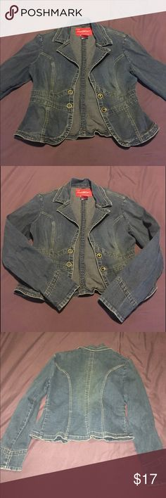 Jean jacket Hot Kiss cropped jean jacket. Fitted. Excellent condition. Hot Kiss Jackets & Coats Jean Jackets