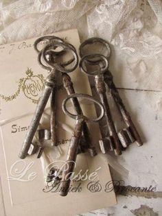 Keys & Locks:  #Keys ~ Le Passe ~ Antiek & Brocante.