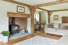 frames and borders Manor Houses - Border Oak - oak framed houses, oak framed garages and structures. Cottage Lounge, Cottage Living Rooms, Cottage Interiors, Cottage Homes, Home Living Room, Living Room Decor, Bedroom Decor, Style At Home, Inglenook Fireplace
