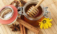 Med a skořice zaručeně pomohou při nachlazení                                                                                            https://christianfreeman.wordpress.com/2009/07/17/domaca-liecba-medom-a-skoricou/