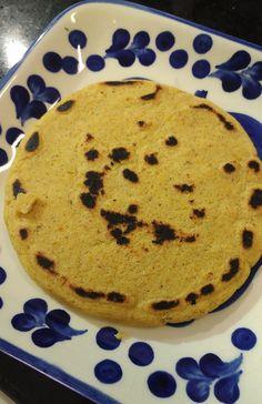 AREPAS SANTANDEREANAS   Lucero Vilchez Cocina Pancakes, Pie, Breakfast, Desserts, Food, Appetizers, Deserts, Colombian Cuisine, Hors D'oeuvres
