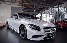 S63 AMG Coupe with blacked out rims & accents.