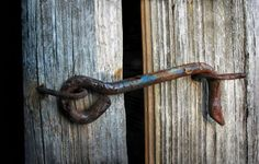 rusty latch / weathered wood / Tampere 2006 / Marja Piril& good for website background Weathered Wood, Old Wood, The Thorn Birds, Gate Latch, Rust In Peace, Art Populaire, Knobs And Knockers, Country Blue, Down On The Farm