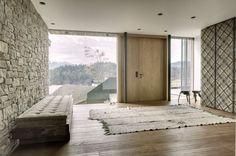Pôsobivé prevedenie drevo stavby z obce St. Johann v Tirolsku je ódou na modernú architektúru