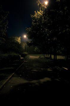 The Park Night Aesthetic, Aesthetic Indie, Dark Photography, Night Photography, Dark City, Snapchat Picture, Night Vibes, Dark Paradise, Photos Tumblr