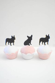 Dog Cupcakes, Animal Cupcakes, Dog Themed Parties, Kids Birthday Party Invitations, Birthday Cakes, French Bulldog Puppies, French Bulldogs, Puppy Birthday, Puppy Party