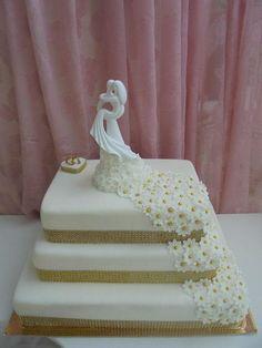 Svadobná v zlatom 2 , svadobné torty | Tortyodmamy.sk