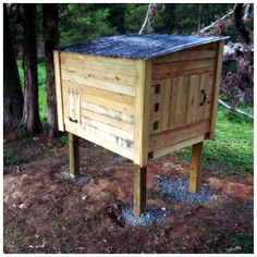 Viewing Gallery For - Pallet Chicken Coop