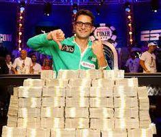 """Ganhador até o momento, da maior quantia já registrada na história do Poker. Vencedor do """"Big one for one drop"""" foi o profissional já renomado Antonio Esfandiari, que embolsou a quantia de U$ 18.3 milhões. O que você faria se fosse Antonio Esfandiari?"""