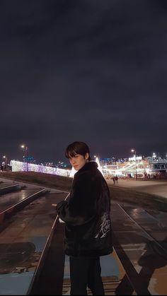 K Pop, Valentines For Boys, Jung Jaehyun, Jaehyun Nct, Aesthetic Photo, Photos Du, Belle Photo, Taeyong, Boyfriend Material