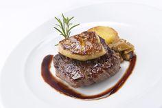 Solomillo con foie Steak, Food, City, Restaurants, Meal, Essen, Steaks, Hoods, Meals