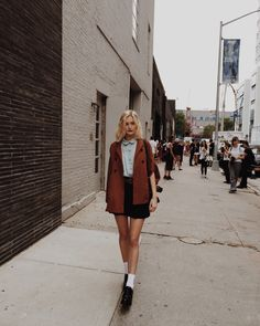Fashion Tips Clothes .Fashion Tips Clothes Outfit Designer, Mode Outfits, Fashion Outfits, Fashion Tips, Fashion Trends, Woman Outfits, Ootd Fashion, Ny Fashion Week, Winter Fashion