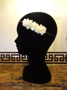 Headband mariage fleur en voile ivoire creme avec chaine dentelle : Accessoires coiffure par les-bijoux-d-aki