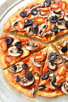 This recipe for a gluten free vegan pizza dough makes for the perfect thin crust… Gluten Free Vegan Pizza, Vegan Pizza Recipe, Pizza Recipes, Gluten Free Recipes, Diet Recipes, Vegan Recipes, Dairy Free, Vegan Food, Chips And Salsa