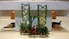 Creative Flower Arrangements, Church Flower Arrangements, Church Flowers, Floral Arrangements, Ikebana, Flower Decorations, Modern, Plants, Blog