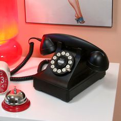 S Mad Men I Pinned This Kettle Classic Desk Phone From