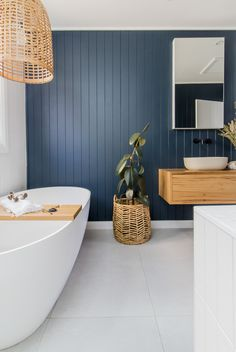 Raise your hand if you'd happily stare at this navy feature wall from that beautiful tub as well? Moore Creative used easyVJ 100 panels coated in Dulux paint to create this bathroom oasis. Laundry In Bathroom, Bathroom Renos, Navy Bathroom, Ensuite Bathrooms, Remodel Bathroom, Simple Bathroom, Modern Bathroom, Bad Inspiration, Bathroom Inspiration