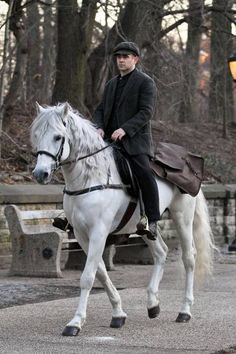 Colin Farrell's On A Horse..With A Hat…And Five O'Clock Shadow ...