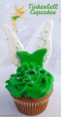 Tinkerbell Cupcakes - so cute and so delicious.  Clap if you believe!  We have all the directions to make these adorable Disney Tinker Bell Cupcakes in our tutorial. For more fun Cupcake ideas, follow us at https://www.pinterest.com/2SistersCraft/