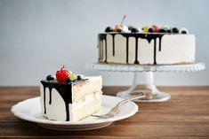 Strawberry Sauce, Strawberry Recipes, Milk Recipes, Panna Cotta, Wedding Cakes, Diet, Ethnic Recipes, Birthday Cakes, Black