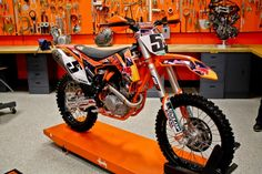 First Look : 2013 KTM 450 SX-F Factory Edition | Featured Products, Features…