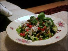 ANNINA IN TALLINNA: Salat astelpaju marjadega