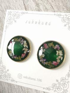 ハンドメイドマーケット+minne(ミンネ)|+お花のリース風ピアス+green