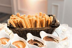 Delicious Churros Recipes Online is under construction Dessert Bar Wedding, Wedding Desserts, Dessert Bars, Dessert Tables, Mexican Dessert Table, Brunch, Wedding Catering, Wedding Reception, Food Stations